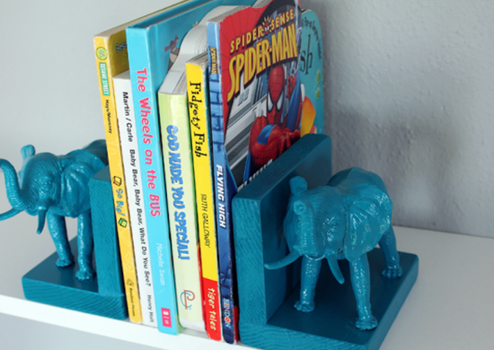Toy animal bookends