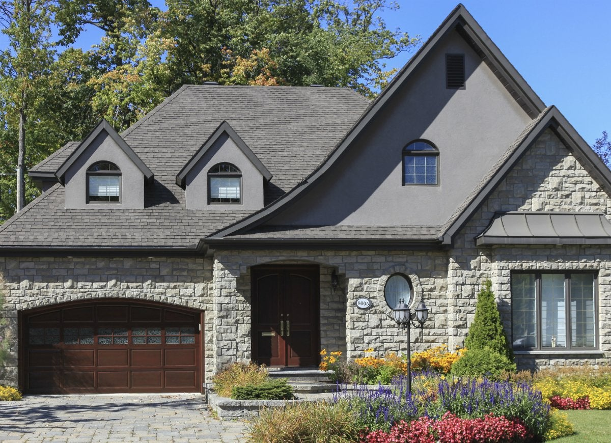 Maintain your front yard for curb appeal