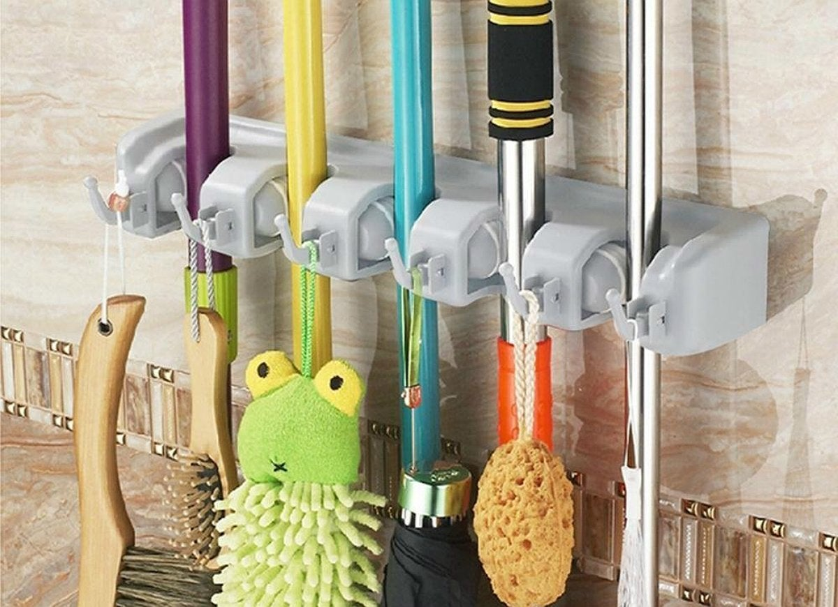 Cleaning supply organizer