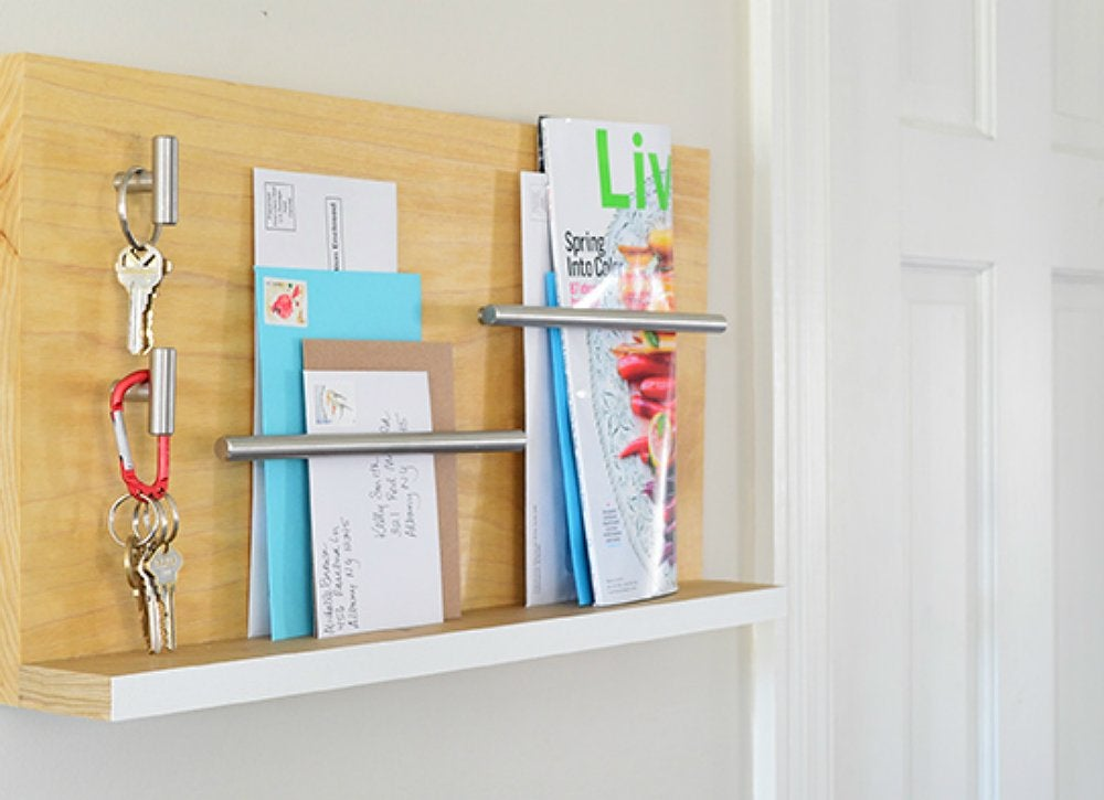 Diy wall mounted key mail entryway organizer