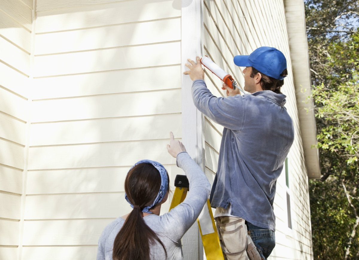 Replace-exterior-caulk