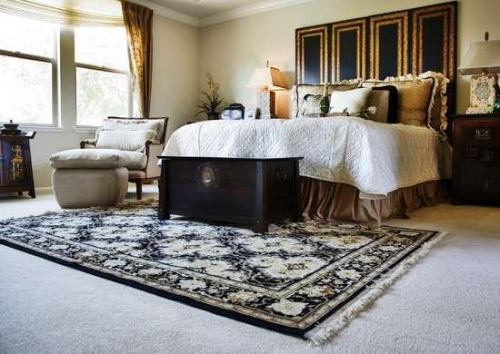 Wall to wall carpeting