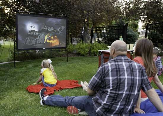 Camp chef portable outdoor movie screen