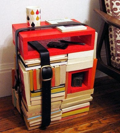 Diyinspired.com_books-turned-side-table_390x432