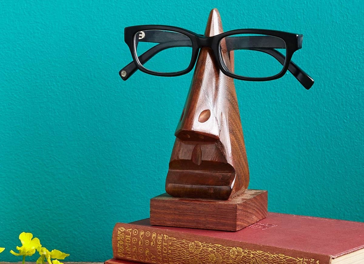 Eye glasses holder