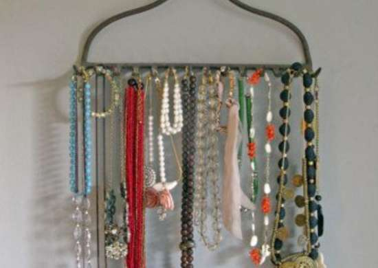 Blog.century tile.com sbooriginal kevi zupancic twig home rake jewelry holder s3x4 lg 390x480