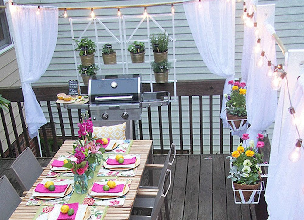 Curtain For Balcony: Outdoor Party Ideas