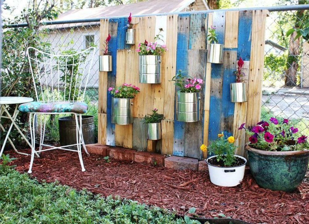 Vertical fence garden