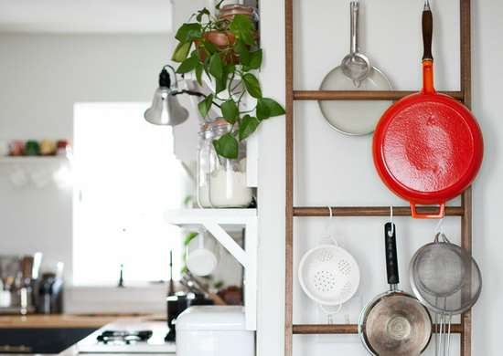 Diy leaning pot rack