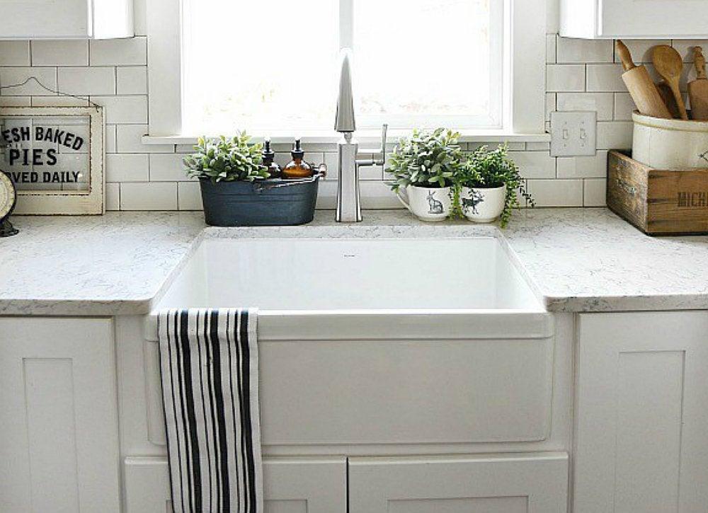Apron front double sink farmhouse kitchen