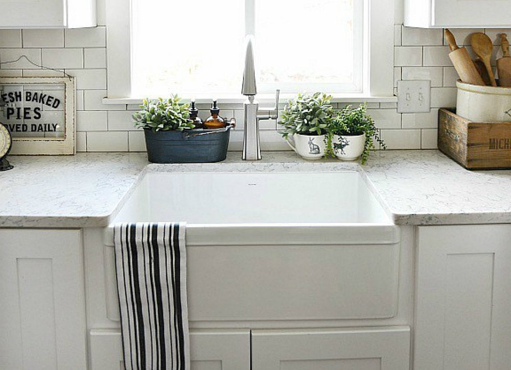 Apron front double sink farmhouse kitchen