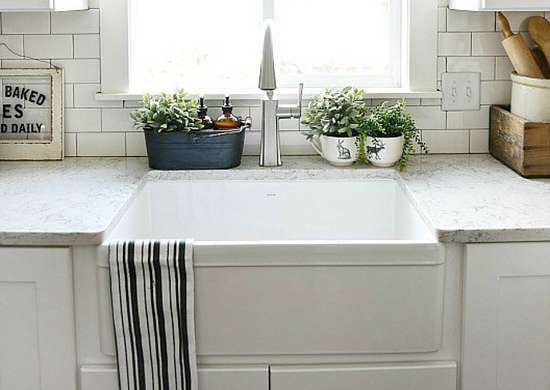 Apron-Front Sink for a Farmhouse Kitchen