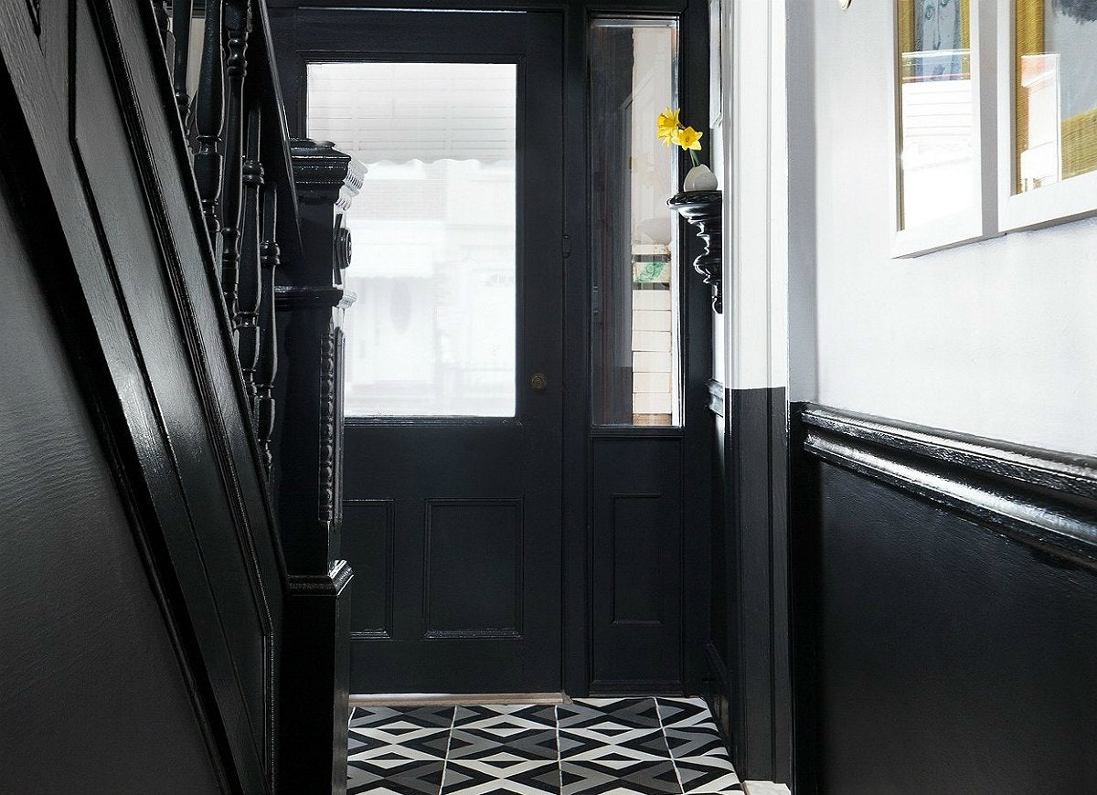 Black-and-white-painted-entryway