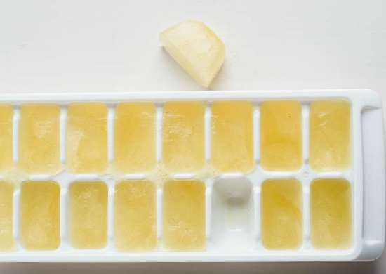 Help Sunburns Heal with Aloe Vera Ice Cubes