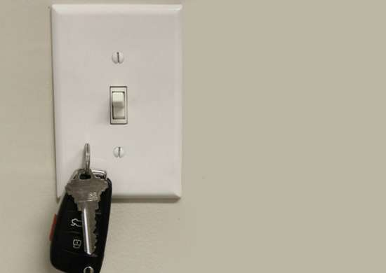 Diy magnetic light switch key holder