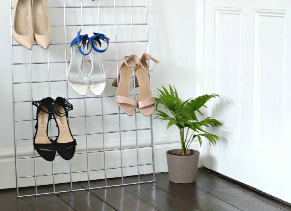 Leaning portable shoe storage rack