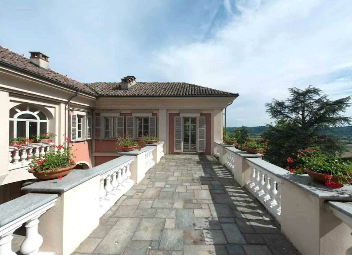 Italian_villa_airbnb
