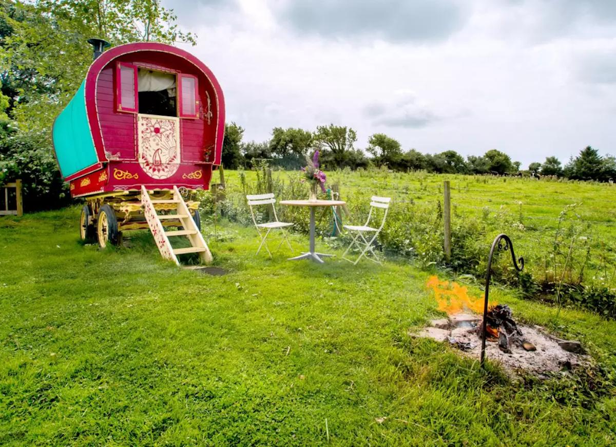 Gypsy_caravan_airbnb