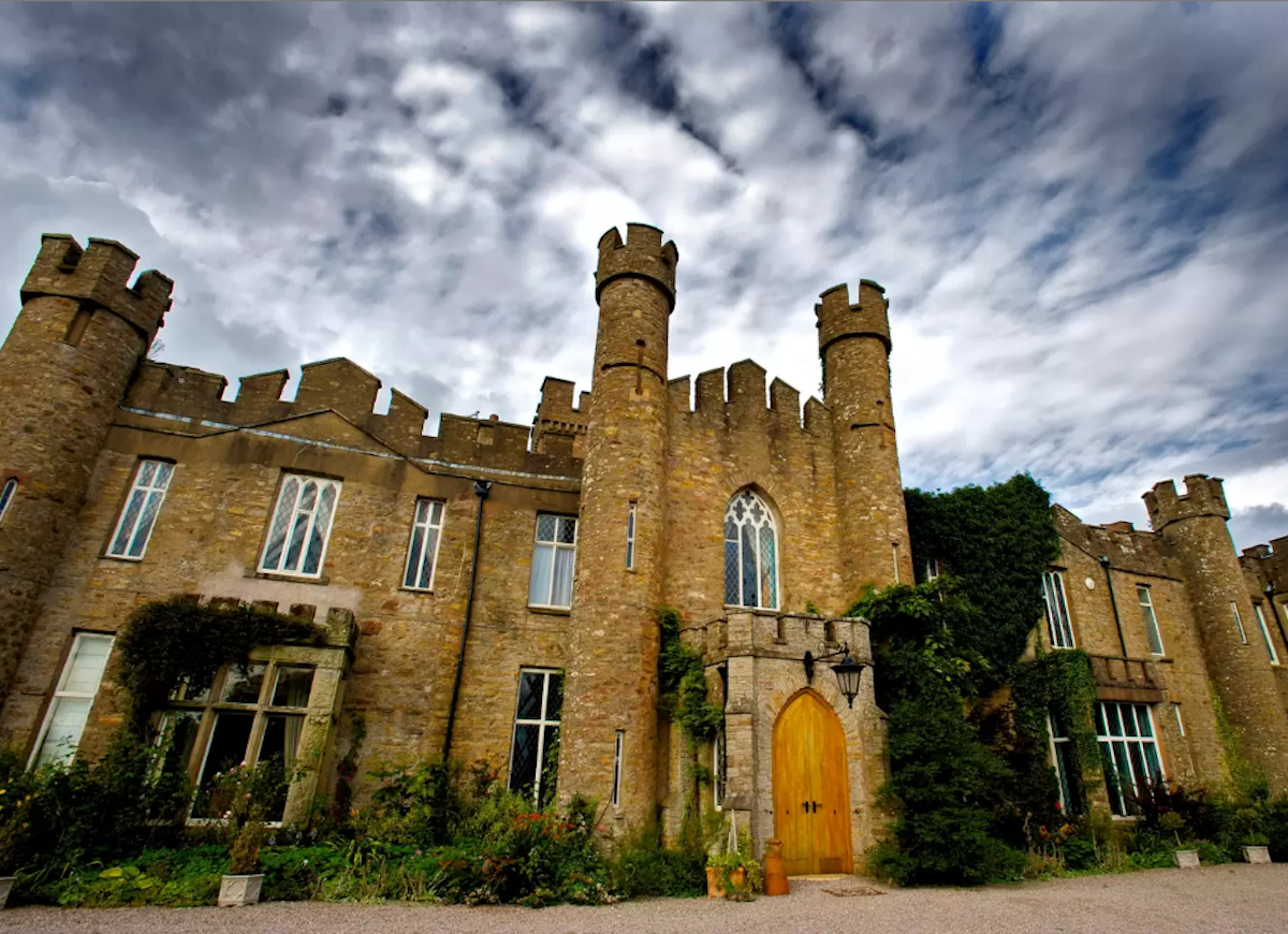 English castle airbnb