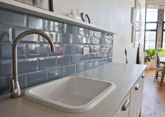 Thin-kitchen-backsplash