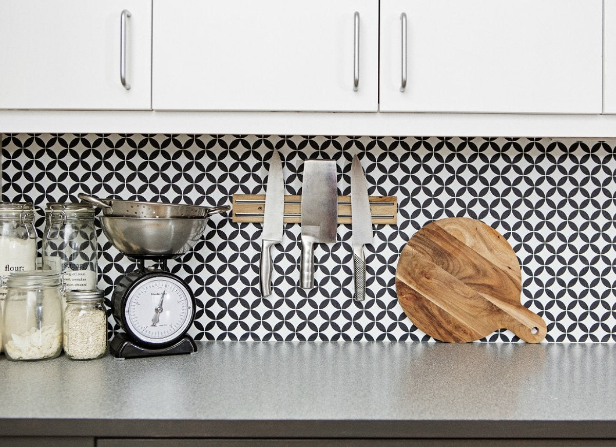 Kitchen wallpaper design trends 14 home features we 39 re for Home wallpaper trends