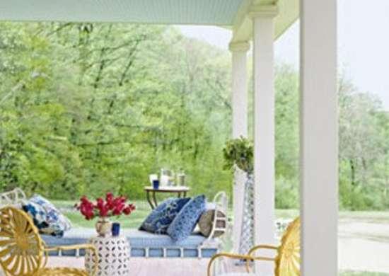 Countryliving.com_greener-pastures-9-0809-uxmnrf-s2_390x480