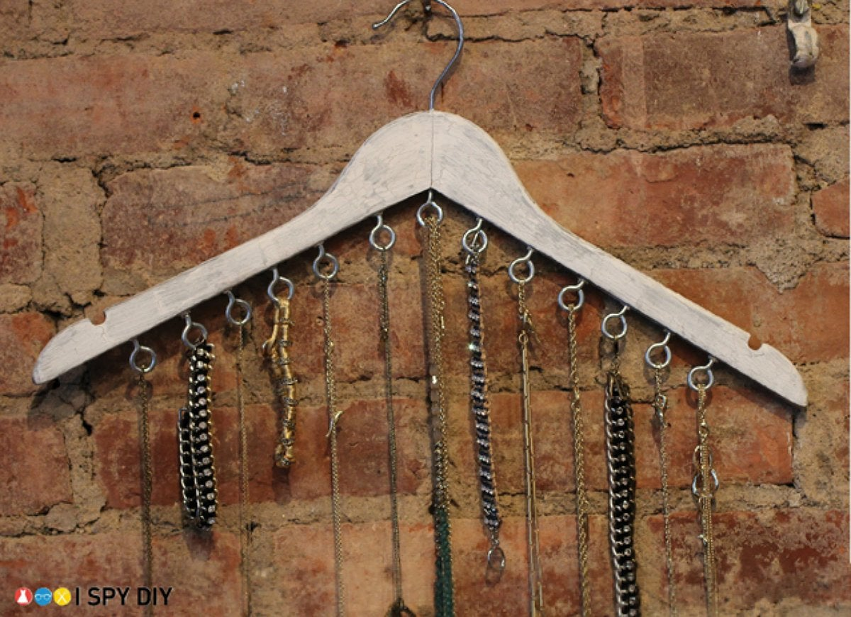 Diy hanger jewelry holder