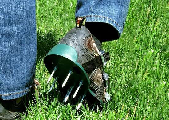 Aerate lawn shoes