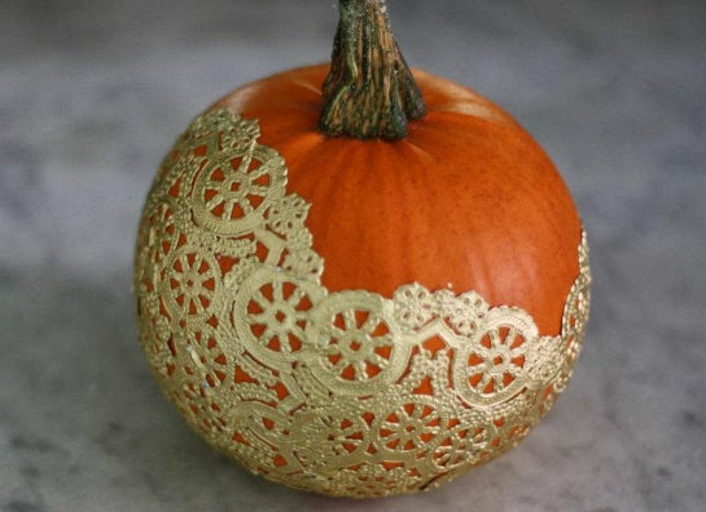 Doily-lace-pumpkin