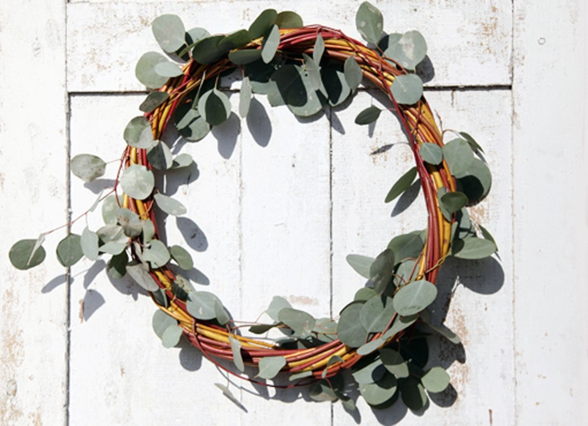 Holiday-wreath-diy