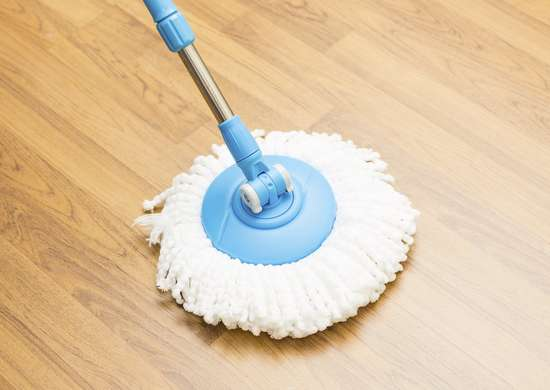Cleaning laminate floor with rubbing alcohol