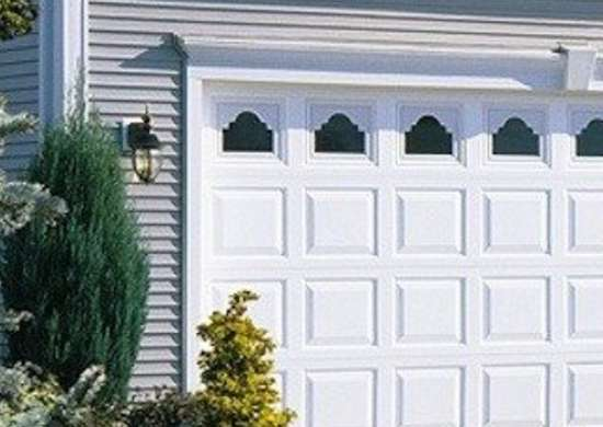 Waynedalton-vinyl-garage-door-model-8700