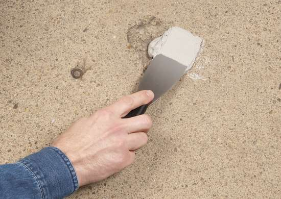 Patching_concrete