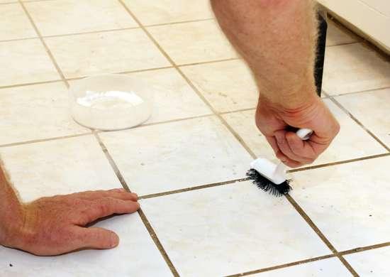 DIY Bathroom Cleaner