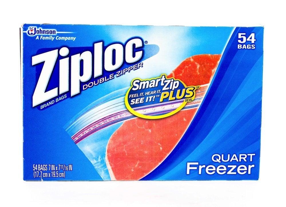 Clean showerhead with ziploc