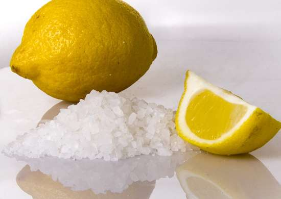 Lemon_and_salt_cleaner