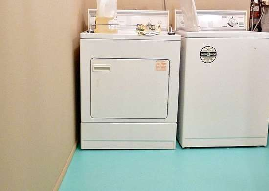 Laundry-room-painted-floor