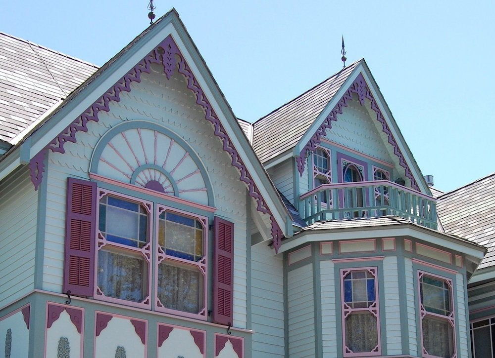 If Your House Has A Gable Or Seven That Triangle Shaped Adjunct To The Roof There S Likely Be Molding Attached Inner Edge