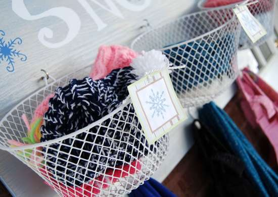 Entryway storage baskets