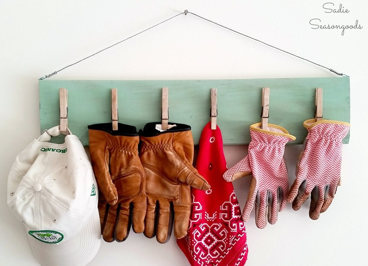 Hat-and-glove-storage