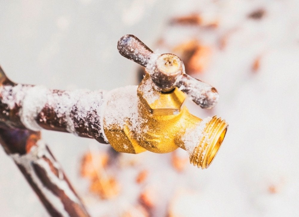 Winterizing-outdoor-plumbing