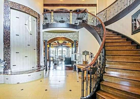 Lavish entryway