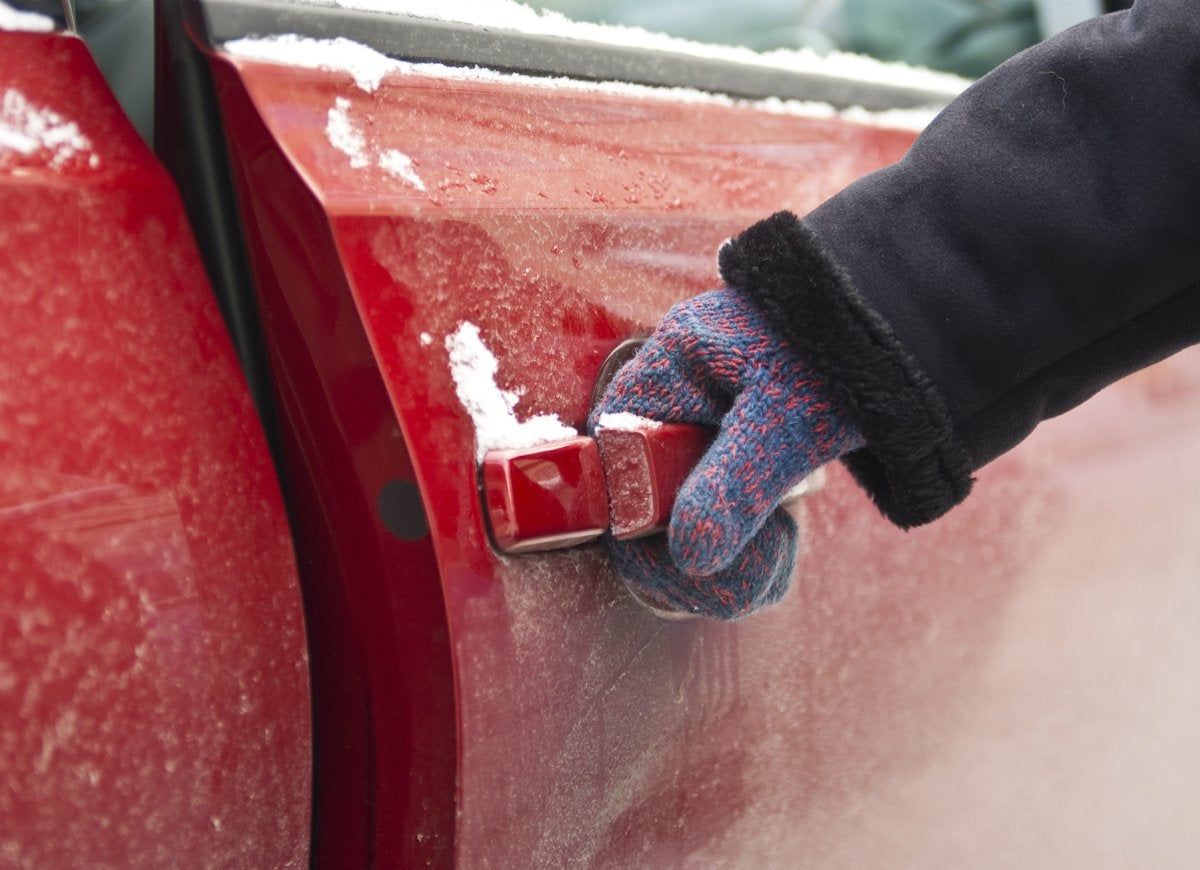 Cooking spray to prevent car doors from freezing
