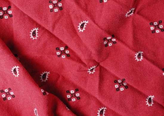 Red-bandana-sos-signal