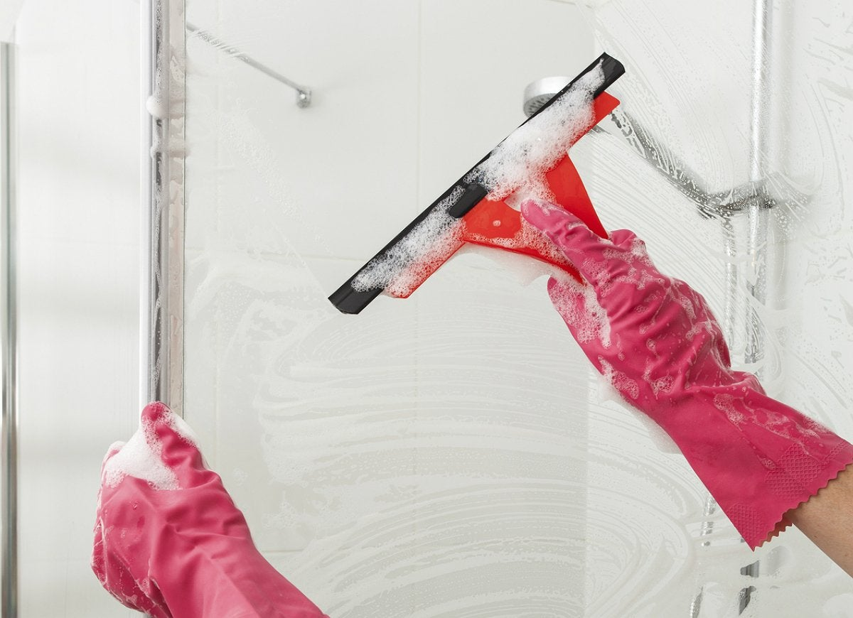 Squeegee shower doors