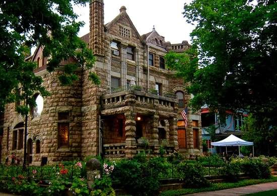 Denver, CO Bed & Breakfast - Castle Marne