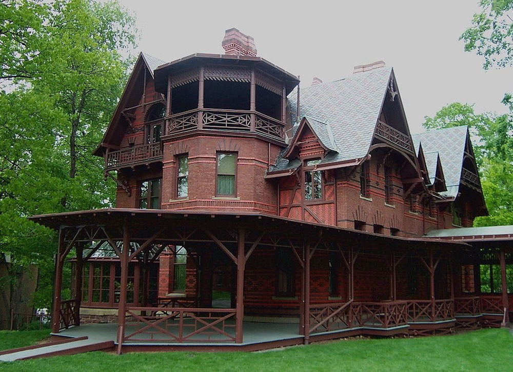 Mark twain house hartford ct hundred year old historic for 100 houses
