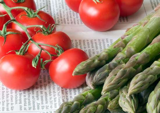 Preserve Fruits and vegetables with Newspaper