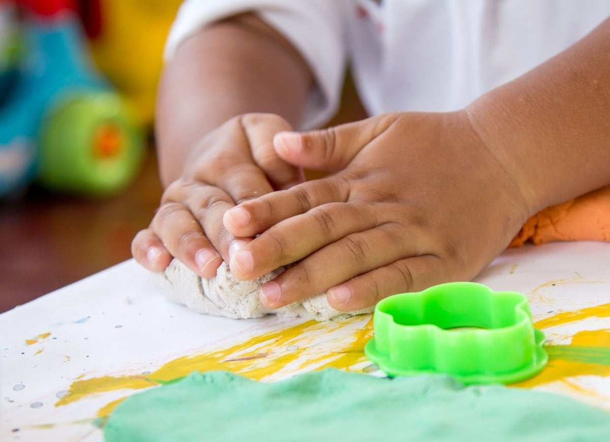 fine motor skills Learn how fine motor skills are critical for success in school plus quick and easy tips for teaching your child the proper pencil and scissors grips.