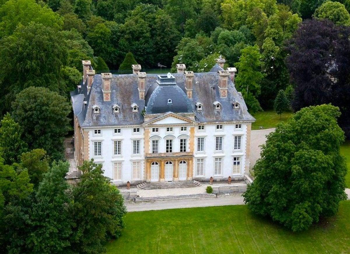 Castle houdan